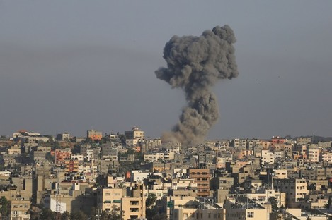 israel-air-strikes-on-gaza-after-hamas-rocket-attacks