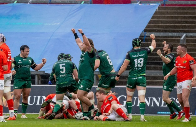 connacht-players-celebrate-winning-the-game