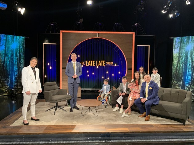Late Show - Katie Taylor, Ryan Tobredi y King Family