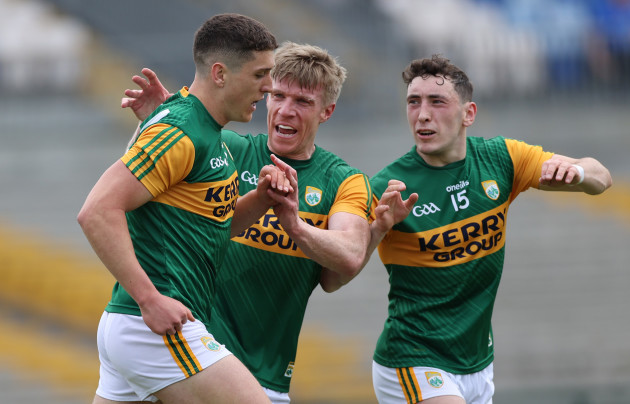 joe-oconnor-celebrates-scoring-his-sides-second-goal-with-tommy-walsh-and-paudie-clifford
