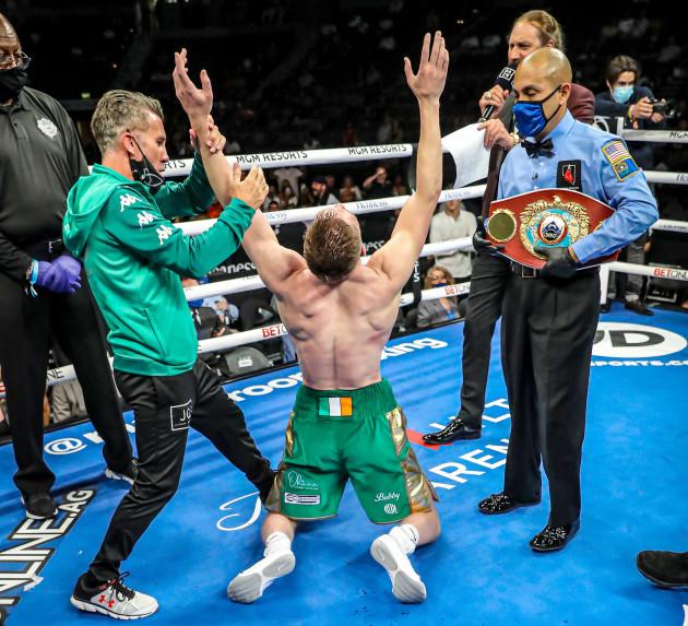 jason-quigley-celebrates-as-the-new-wbo-nabo-middleweight-champion
