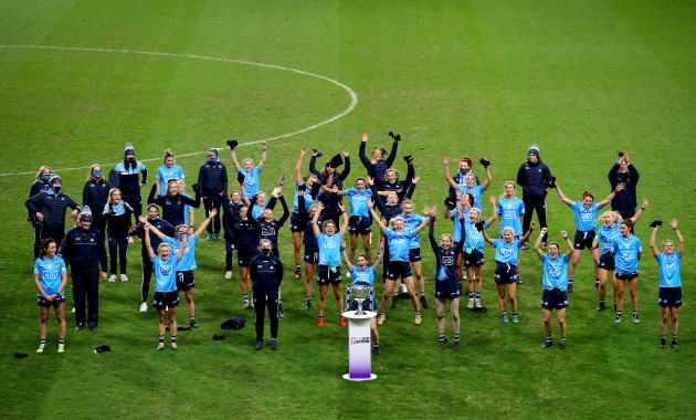 dublin-players-celebrate-winning