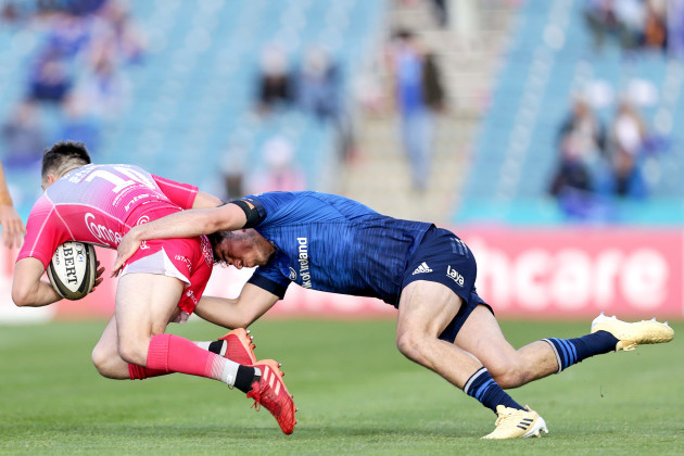 sam-davies-is-tackled-by-jimmy-obrien
