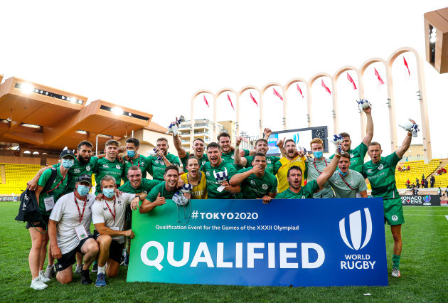 the-ireland-team-and-staff-celebrate-qualifying-for-tokyo-2020
