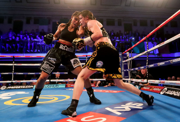 jessica-mccaskill-in-action-against-katie-taylor