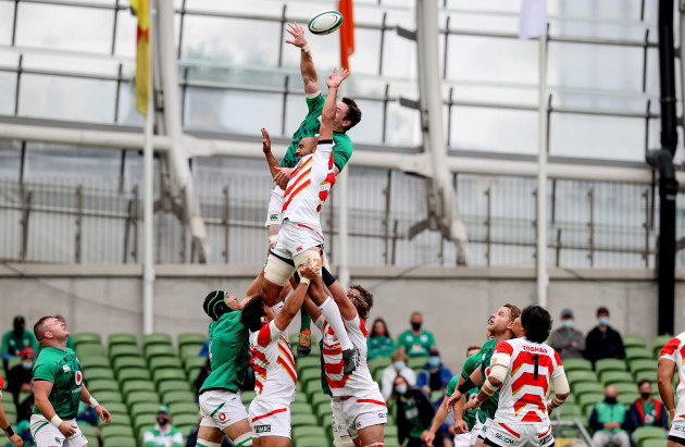 james-ryan-and-michael-leitch-in-a-line-out