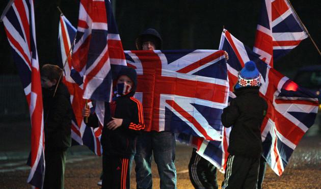 belfast-city-hall-flag-debate