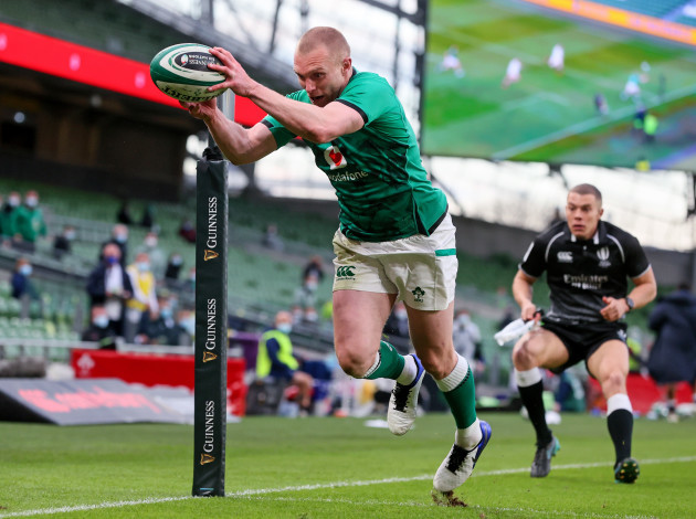 keith-earls-scores-a-try-that-is-later-disallowed