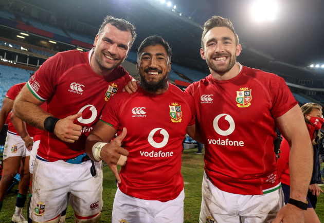 tadhg-beirne-bundee-aki-and-jack-conan-celebrate-after-the-game