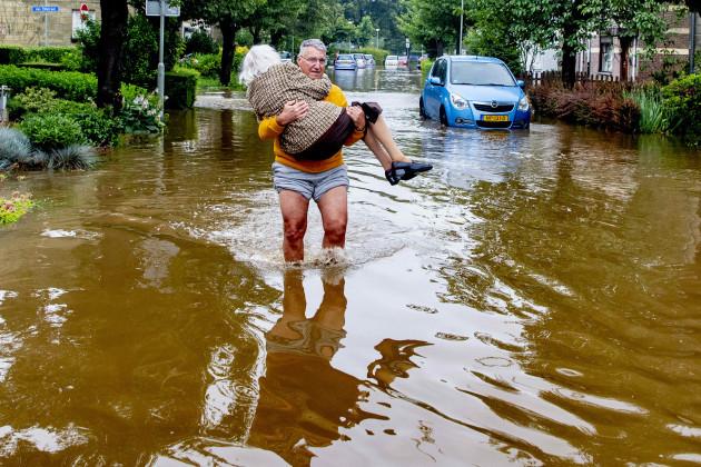 royals-visit-those-affected-by-floods-netherlands