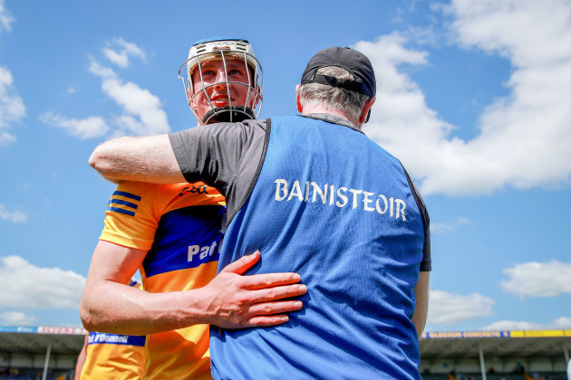 brian-lohan-with-diarmuid-ryan-after-the-game