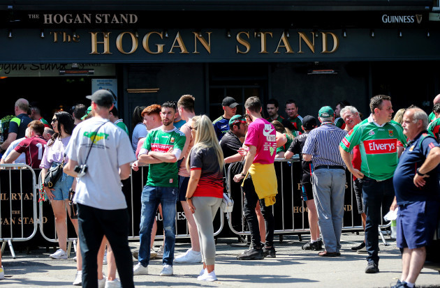 crowds-of-fans-outside-the-hogan-stand-pub
