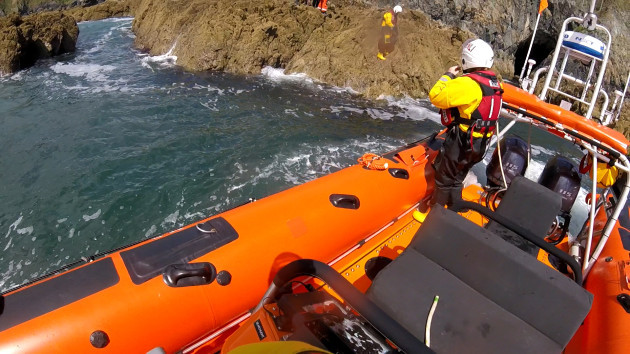 Kayaker rescue 2