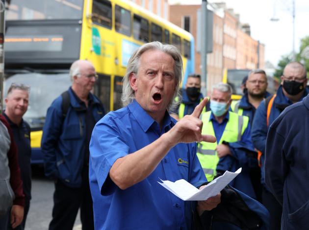 dub bus protest 919