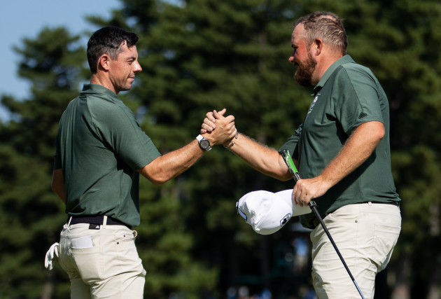 rory-mcilroy-and-shane-lowry-on-the-18th-hole