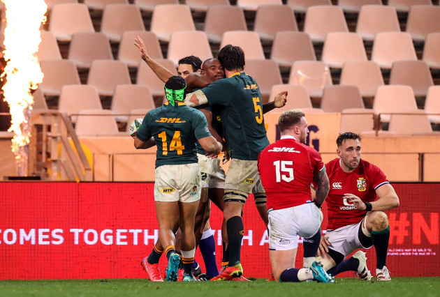 makazole-mapimpi-celebrates-after-scoring-a-try-with-franco-mostert