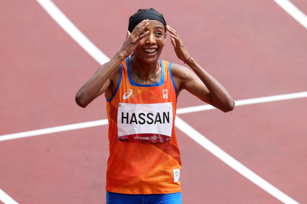 sifan-hassan-celebrates-wins-her-heat-after-falling