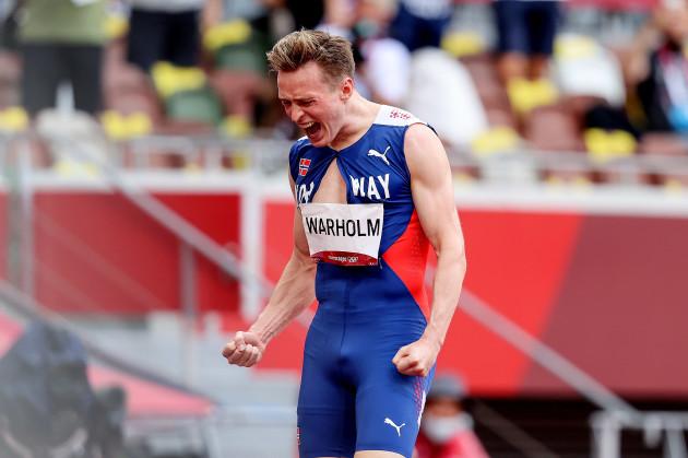 karsten-warholm-celebrates-winning