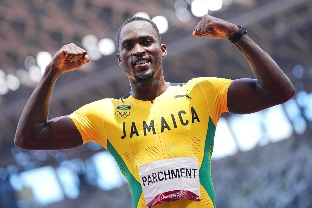 tokio-japan-05th-aug-2021-athletics-olympics-men-110-m-hurdles-final-at-the-olympic-stadium-hansle-parchment-from-jamaica-cheers-for-gold-credit-michael-kappelerdpaalamy-live-news