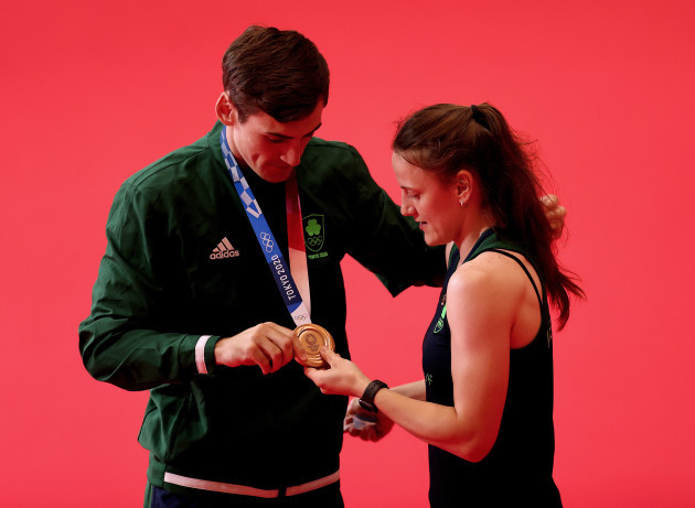 aidan-walsh-celebrates-winning-a-bronze-medal-with-his-sister-michaela