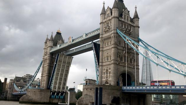 tower-bridge-stuck-open