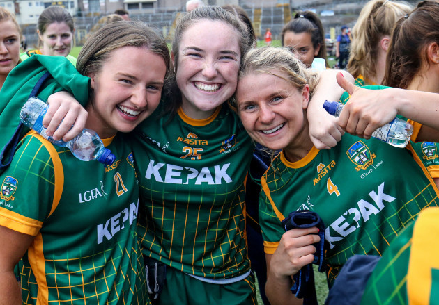 aoife-farrell-meadbh-byrne-and-katie-newe-celebrate-their-win