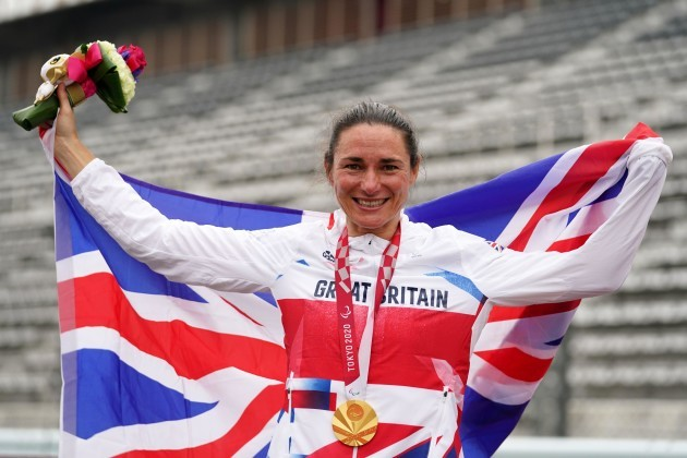 great-britains-sarah-storey-celebrates-with-the-gold-medal-in-the-womens-c5-time-trial-at-fuji-international-speedway-during-day-seven-of-the-tokyo-2020-paralympic-games-in-japan-picture-date-tues