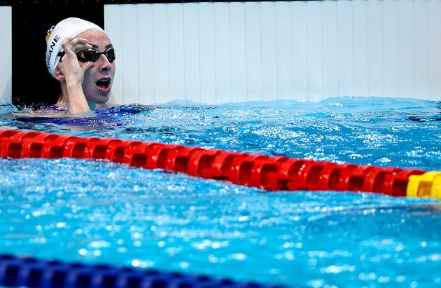 ellen-keane-celebrates-winning-a-gold-medal