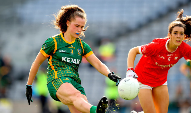 emma-duggan-kicks-her-sideos-into-a-two-point-lead-near-the-end-of-the-extra-time