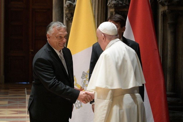 budapest-hungary-12th-sep-2021-september-12-2021-viktor-mihaly-orban-prime-minister-of-the-republic-of-hungary-meets-pope-francis-in-the-romanesque-hall-of-the-museum-of-fine-arts-in-budapest-c