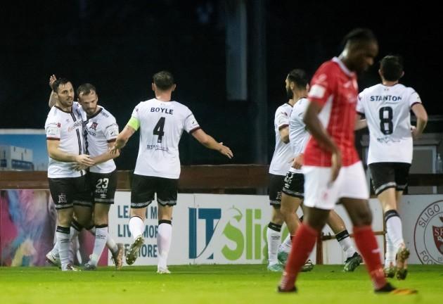 patrick-hoban-celebrates-scoring-a-goal-with-teammates