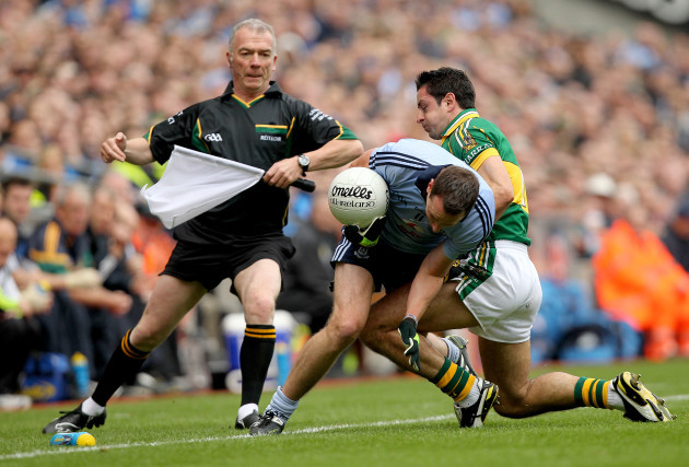 aidan-omahony-collides-with-barry-cahill