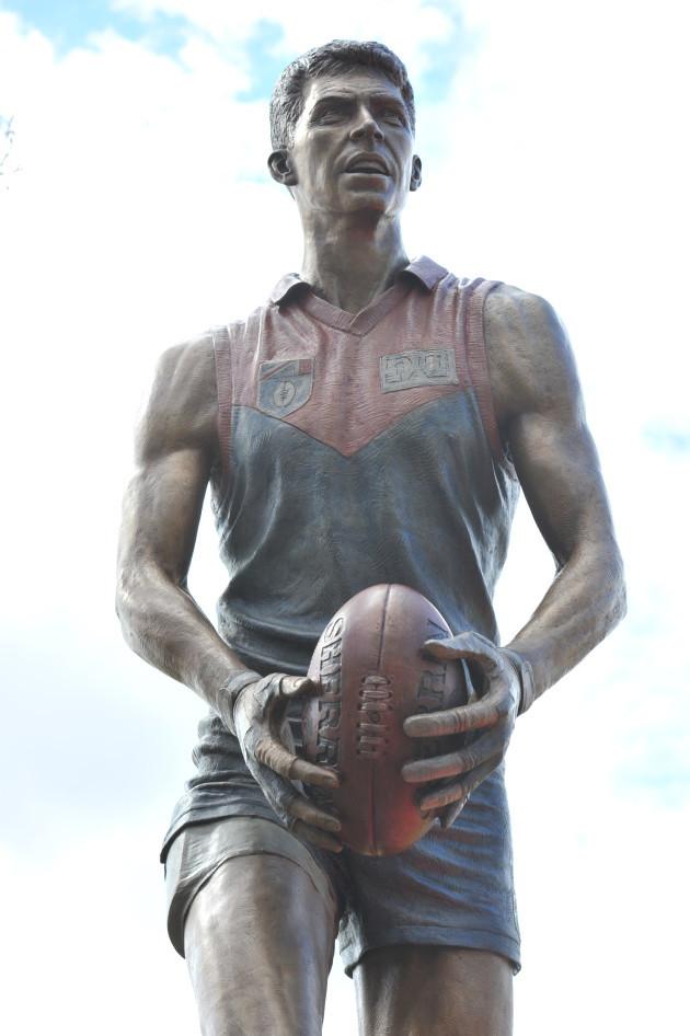 australian-rules-football-jim-stynes-statue-unveiling-mcg