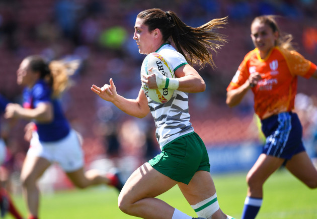 amee-leigh-murphy-crowe-scores-a-try