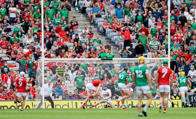 gearoid-hegarty-scores-his-sides-third-goal
