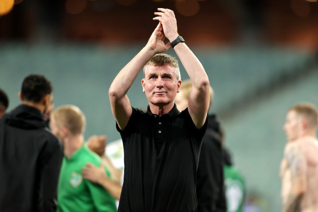 stephen-kenny-applauds-the-fans-after-the-game