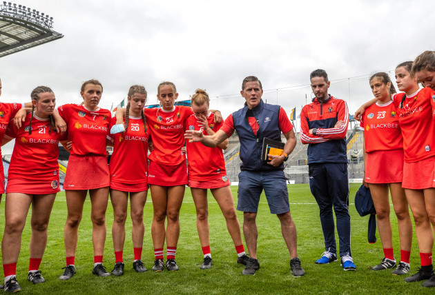 paudie-murray-with-his-team-after-the-game