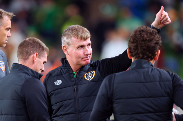 stephen-kenny-gestures-to-the-crowd-before-the-game