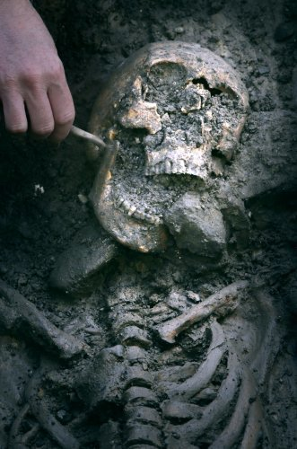 PICTURES: Remains of medieval knight found in Edinburgh car park