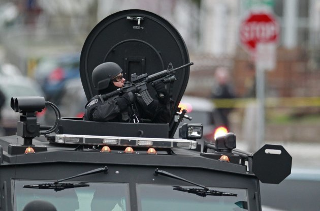 UPDATED: Massive manhunt underway for 'dangerous' second