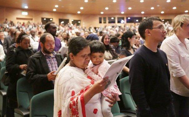 PICS: 4,500 become Irish citizens in giant ceremony ...